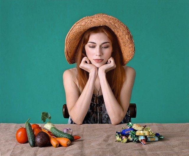 ニキビは食事で改善できる?